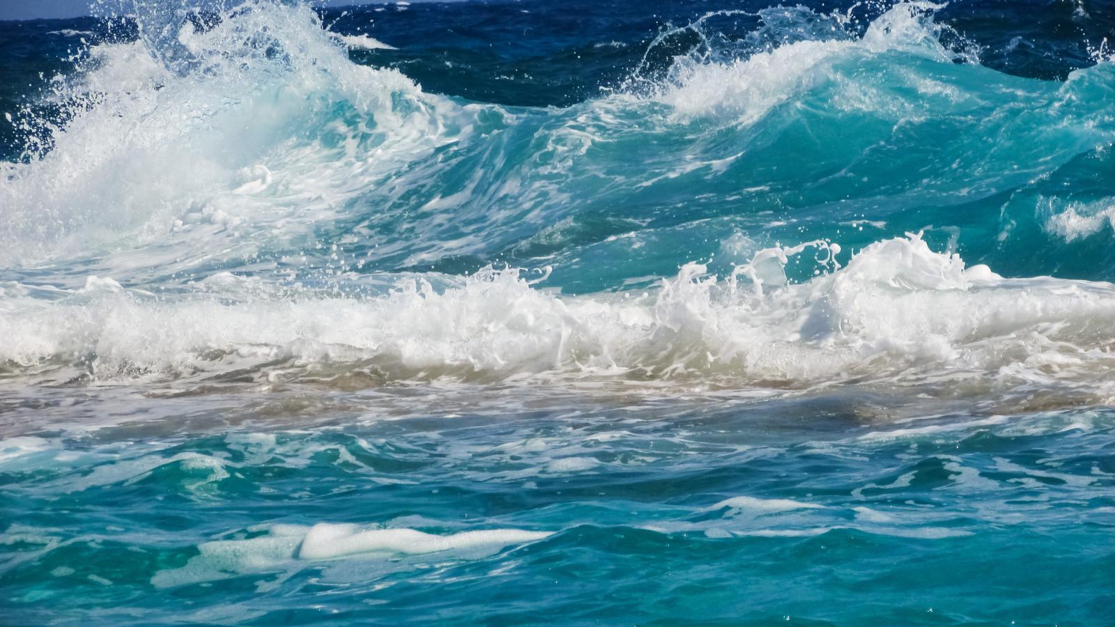 Fond d'écran : mer, vagues, côte, mousse, Le surf, vague, Rapide, Vague de vent, océan Arctique ...