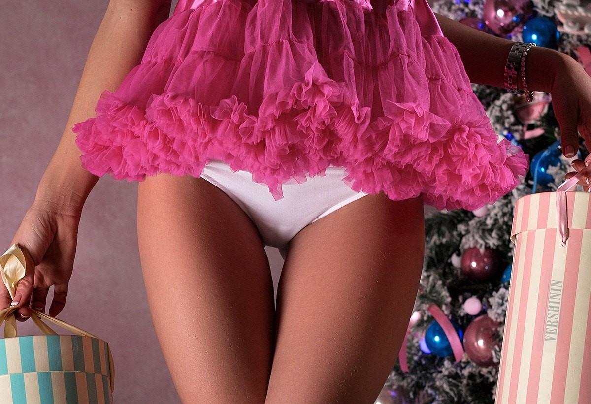 розовые и белые трусики обои
