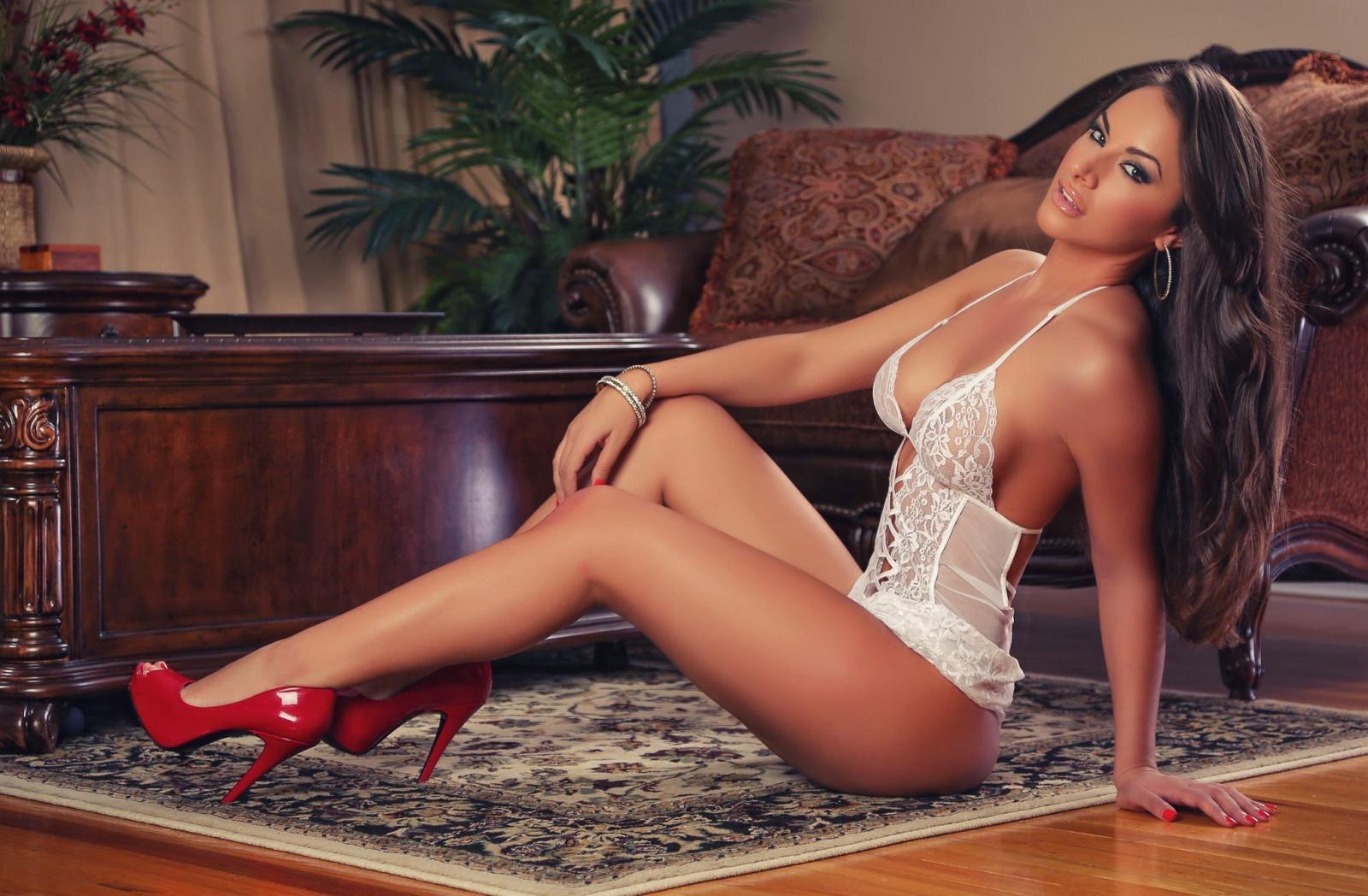Длинноногие модели в нижнем белье, нежный и красивый страстный секс