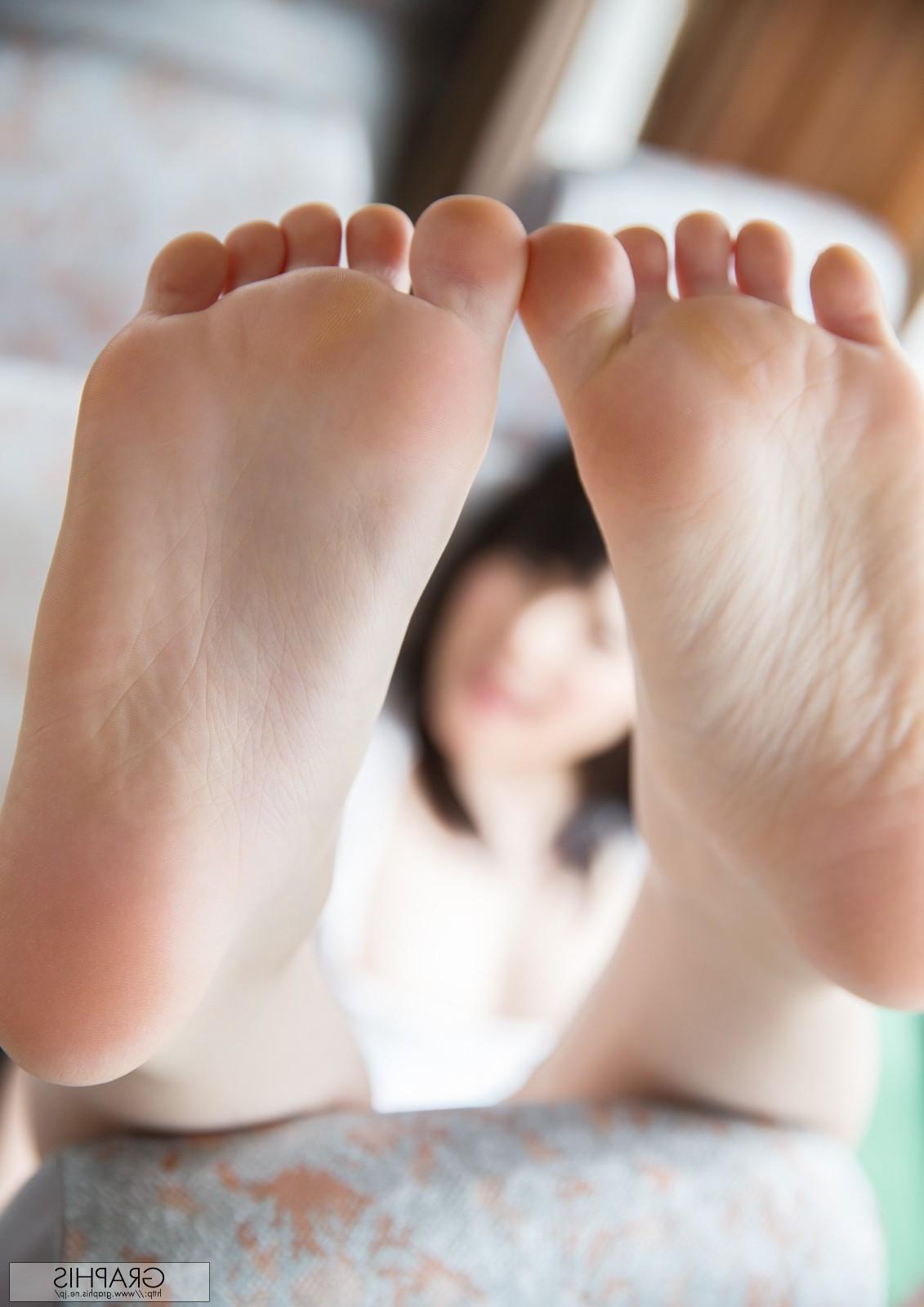Онлайн кино азиатки пальцы ног