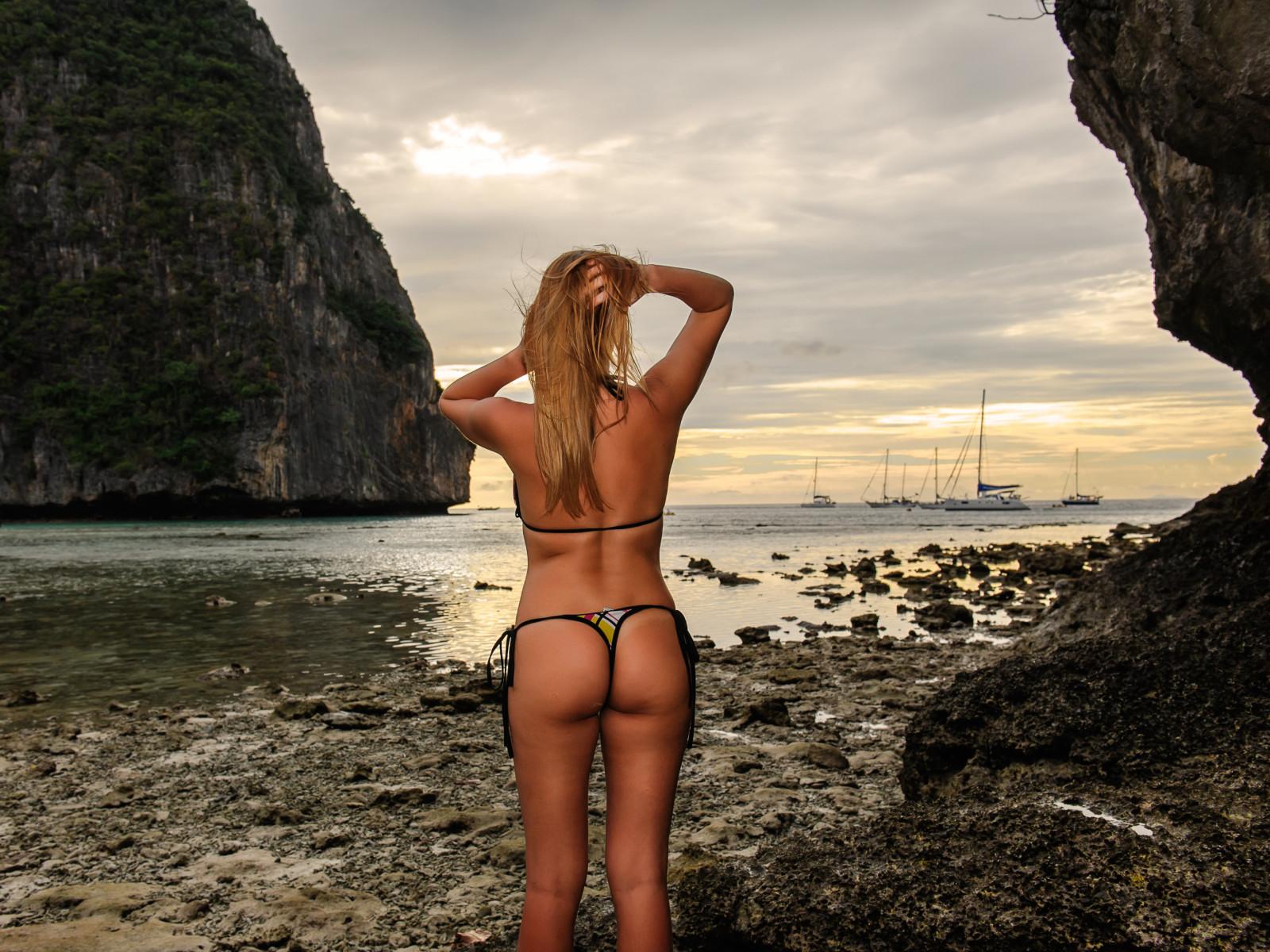 brit ekland nude
