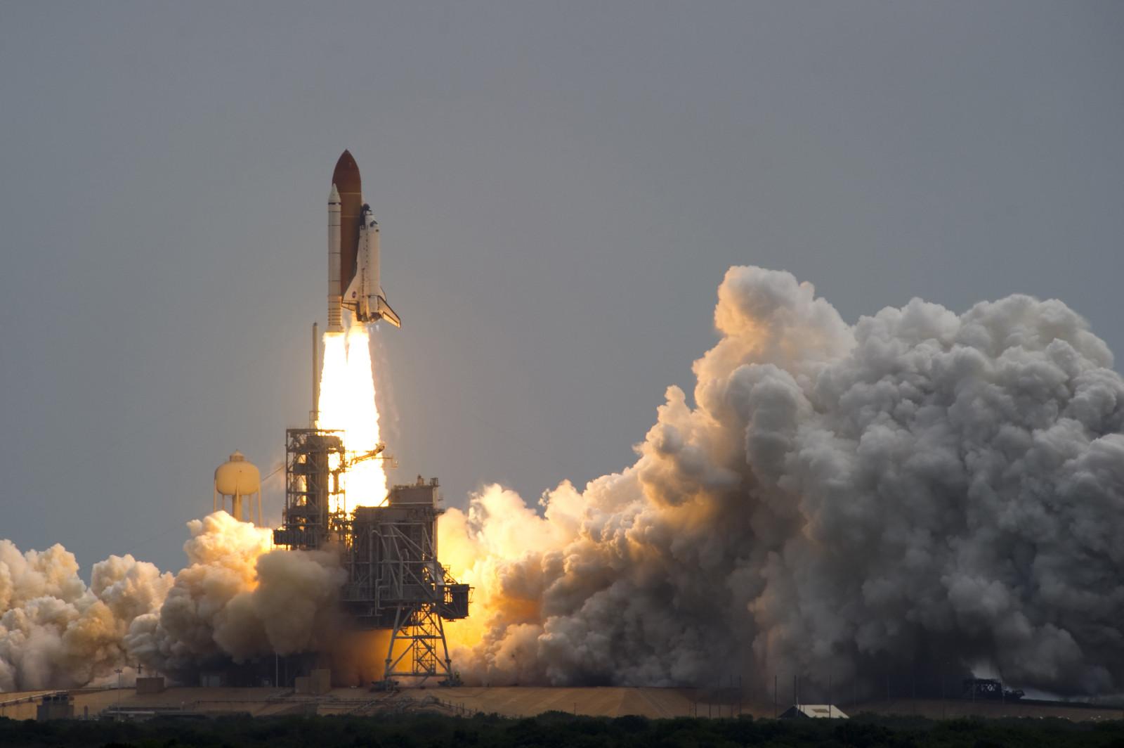 rocket space coast image - HD1600×1064