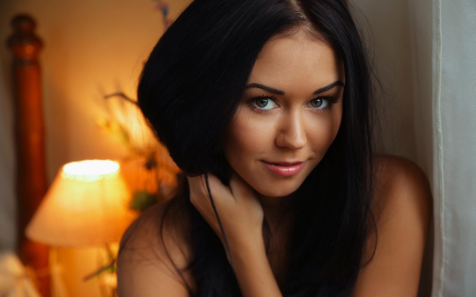 Красивые девушки брюнетки фото реальные фото
