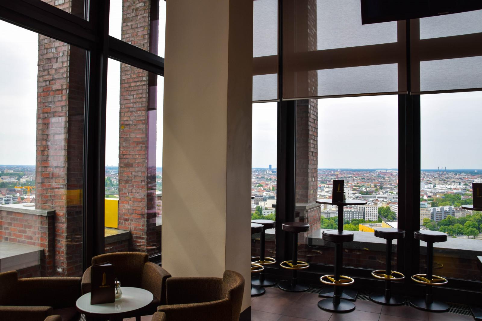 fond d 39 cran ville architecture chambre bois allemagne verre bar restaurant design d. Black Bedroom Furniture Sets. Home Design Ideas