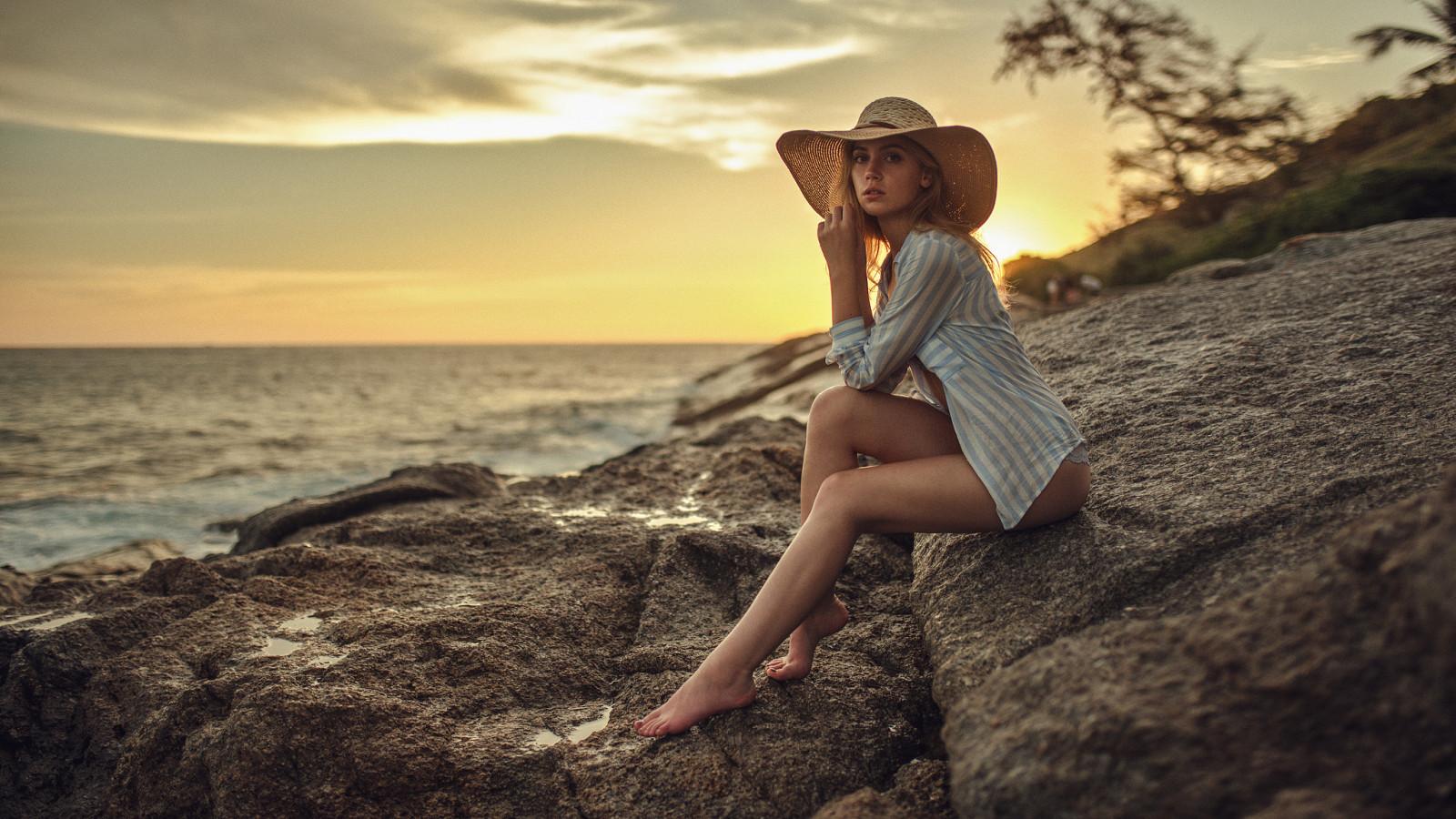 Картинки девушки на море красивые