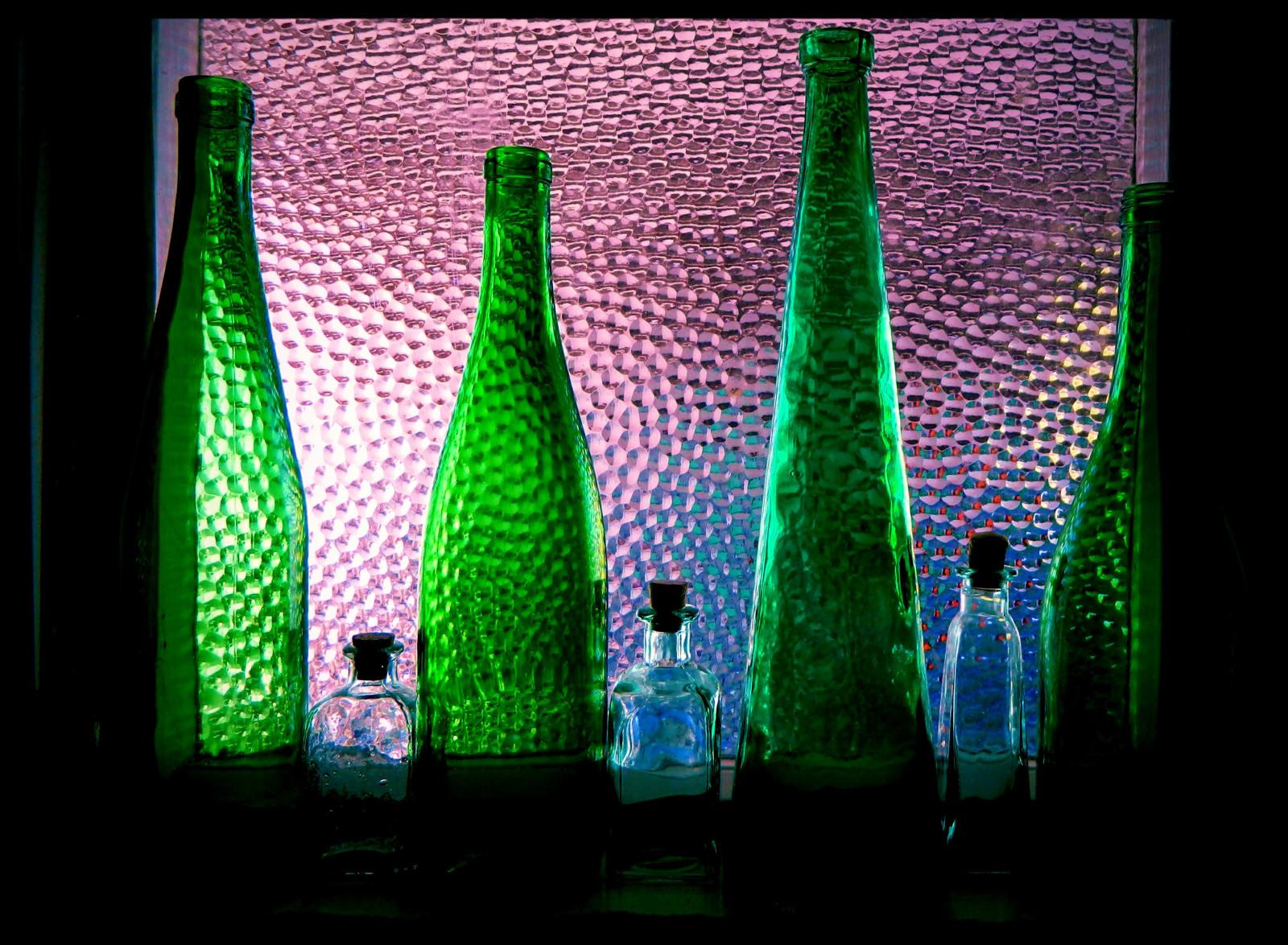 Sfondi Verde Bottiglia Di Vetro Leggero Acqua Bicchiere