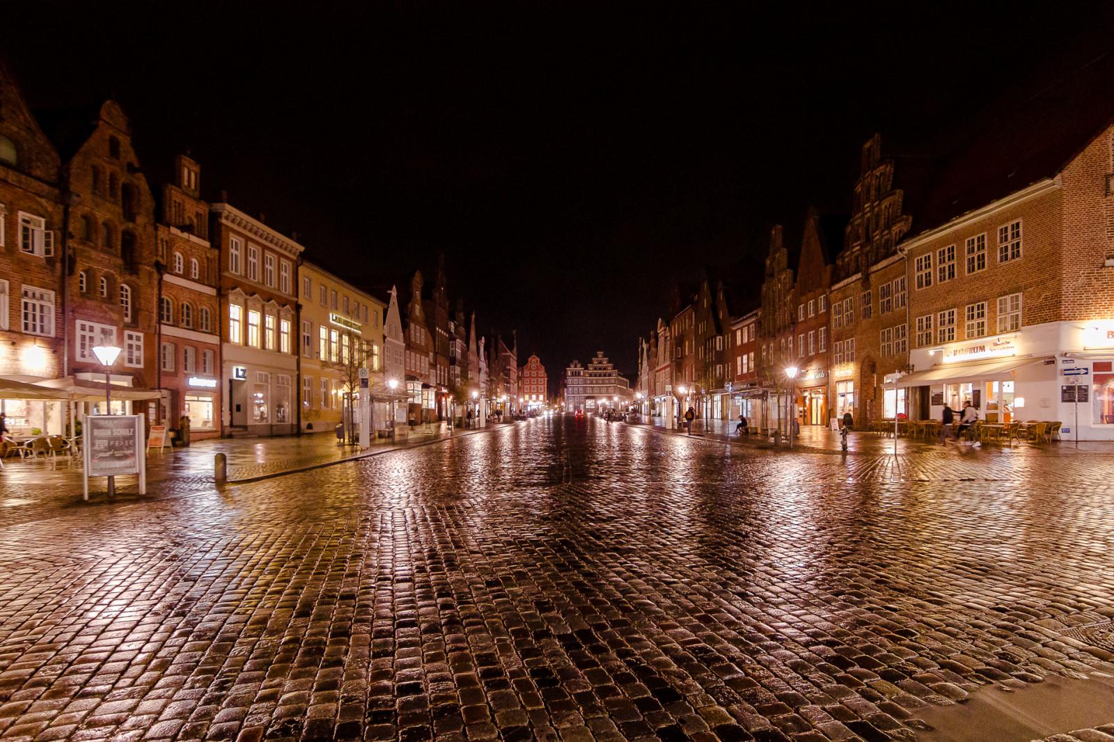 Wallpaper Cityscape Malam Refleksi Langit Hujan Jerman Basah