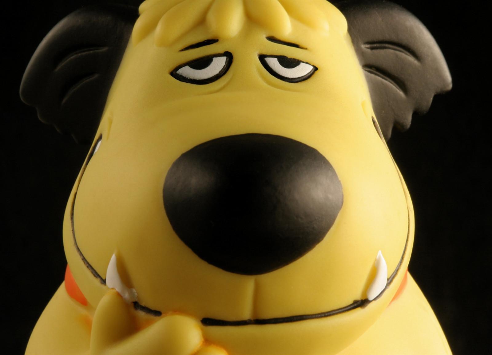 Sfondi : nero giallo cartone animato cane giocattolo sorriso