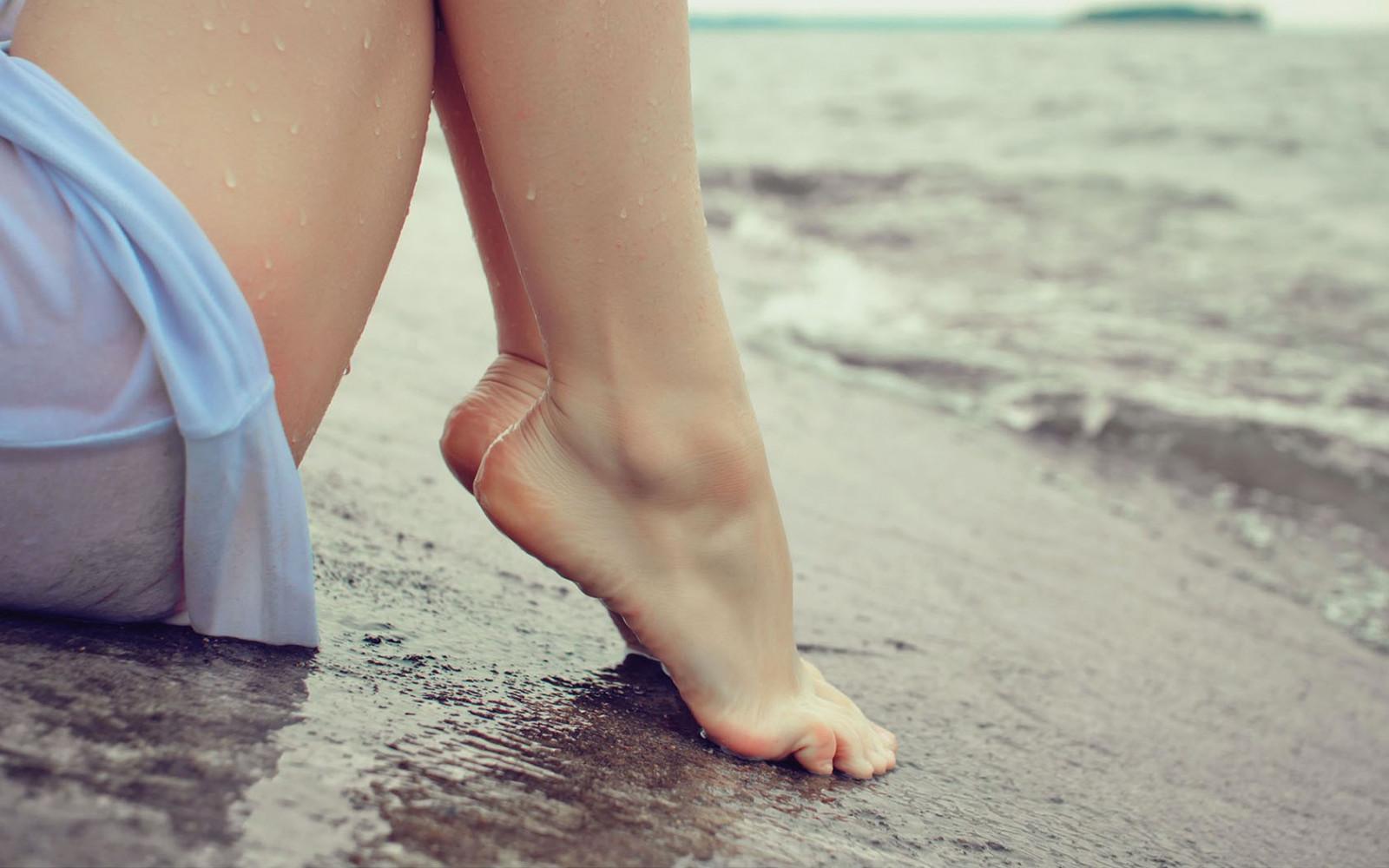 Влажные ноги девушек фото