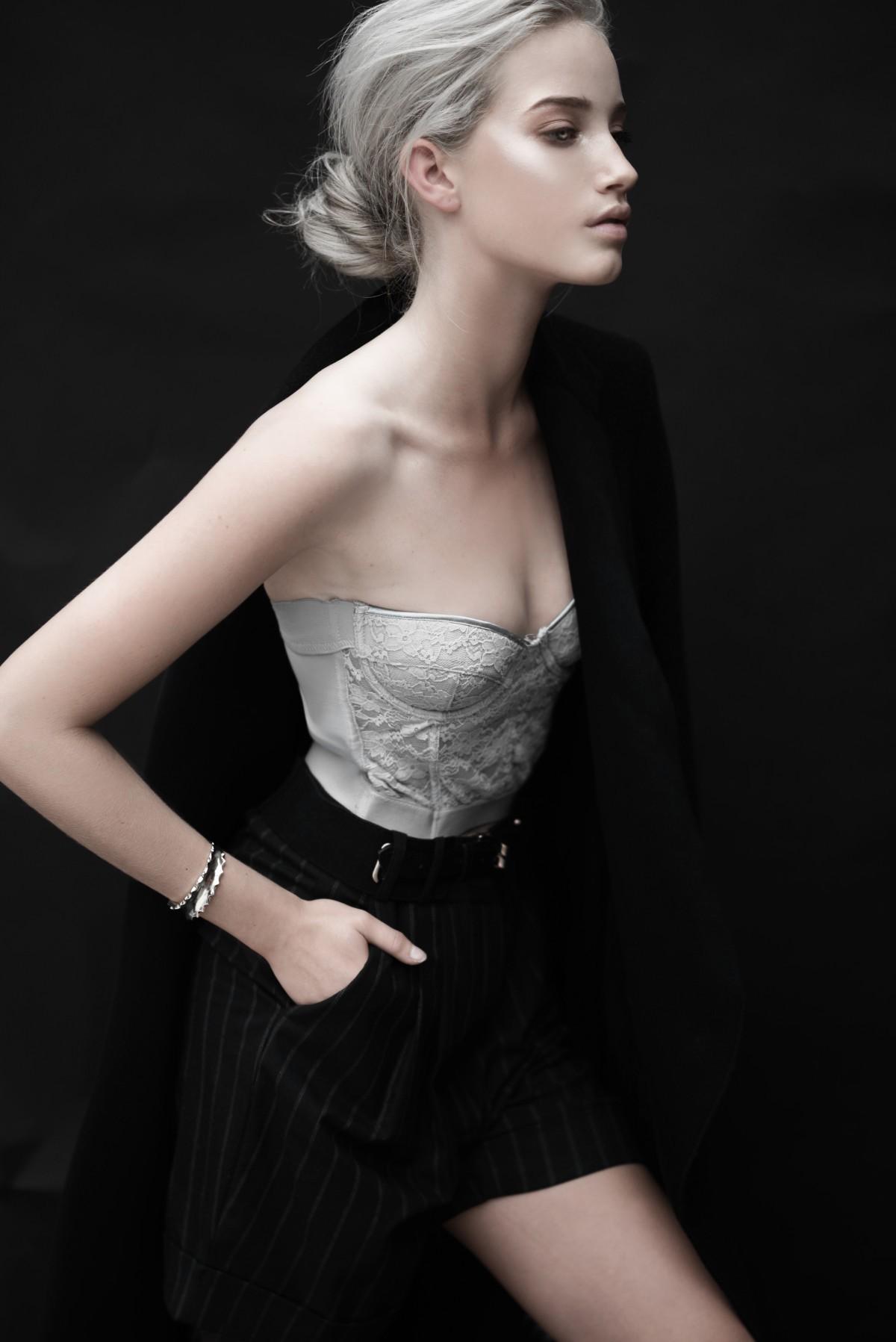 hintergrundbilder : schwarz, frau, modell-, porträt, lange