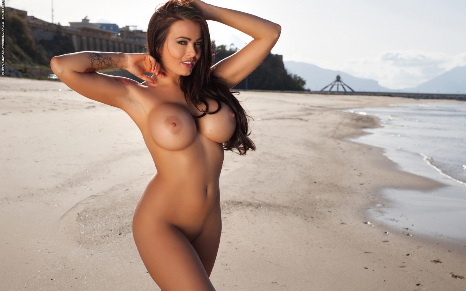 Topless glenys — photo 11