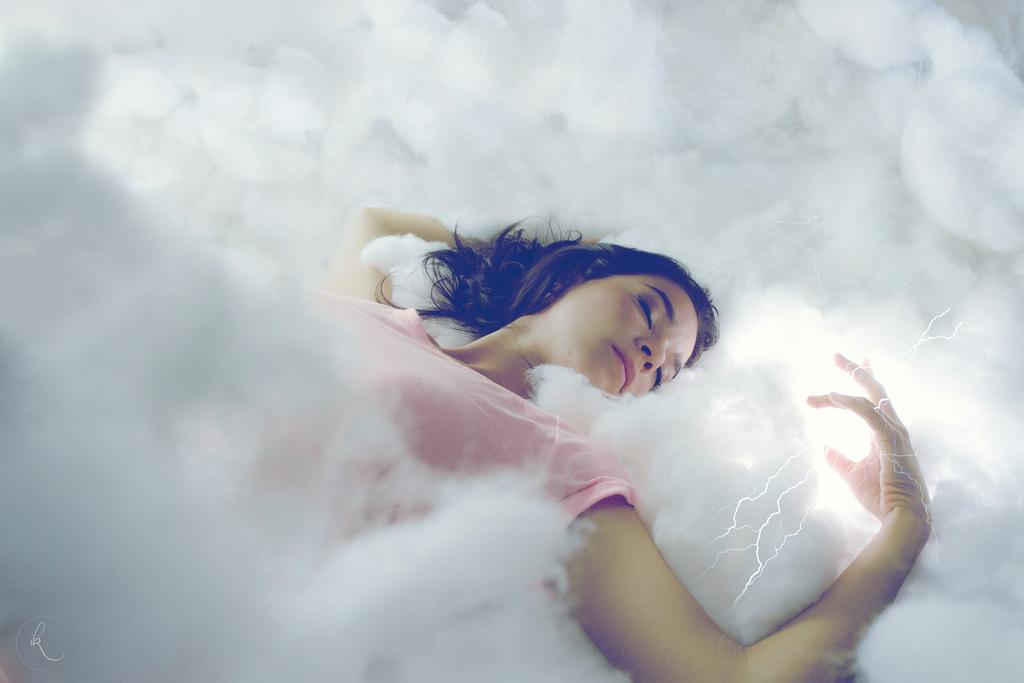 Wallpaper : sky, sleeping, photography, clouds, lightning, blue, magic,  thunder, happiness, peace, Freezing, sleep, light, cloud, girl, beauty,  smile, lighting, fun, dream, dreaming, photograph, computer wallpaper,  photo shoot, dreamers, powers ...