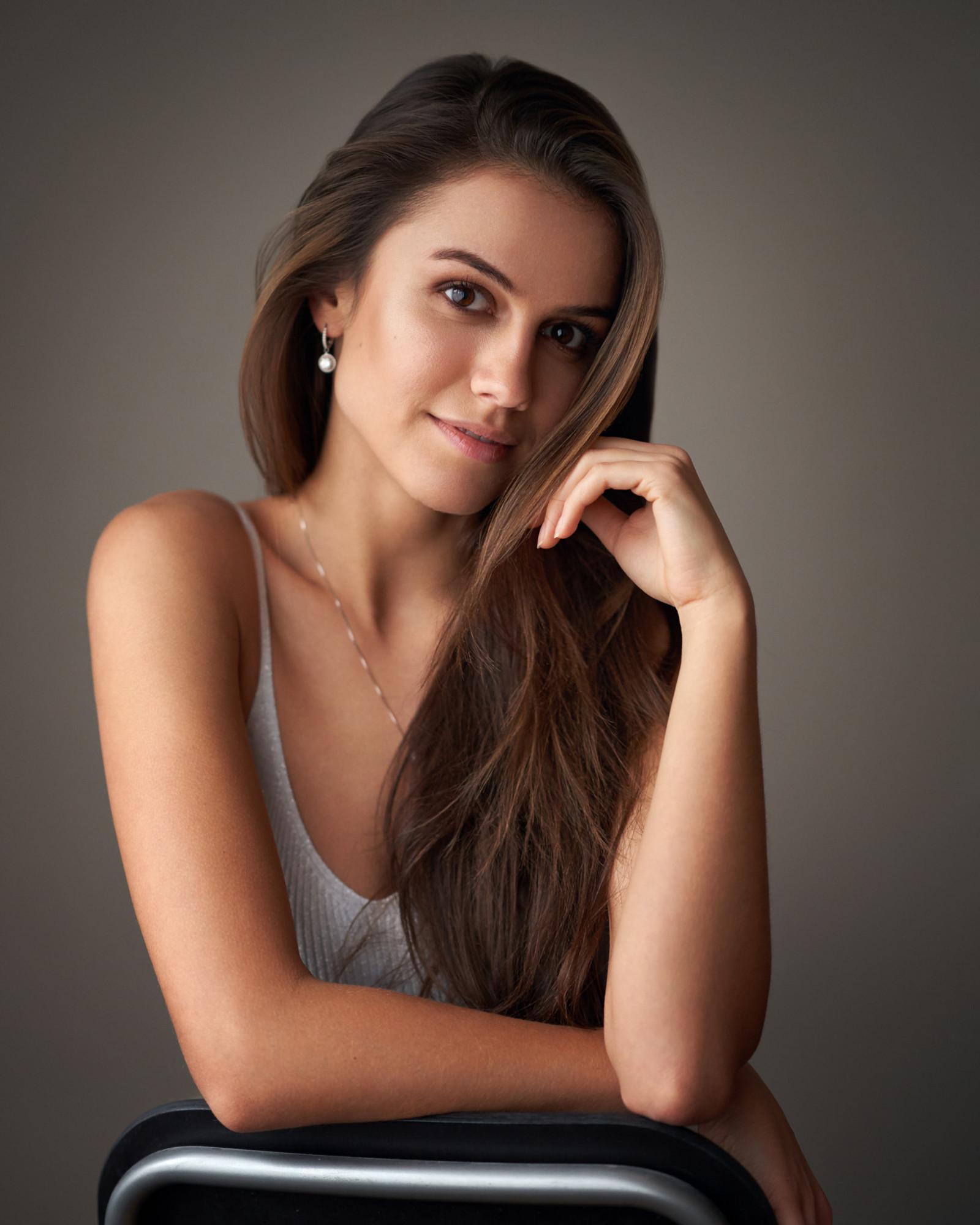 Hintergrundbilder : Frau, Modell-, lange Haare, Brünette