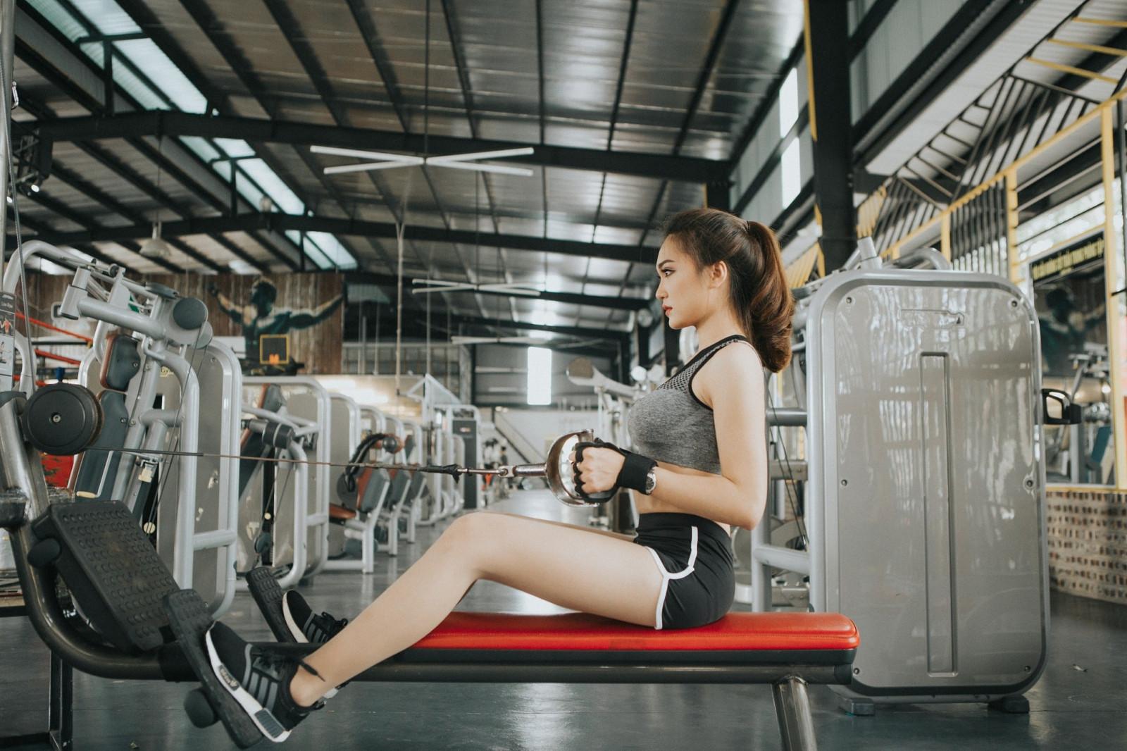 фото азиатские девушки в спортзале да