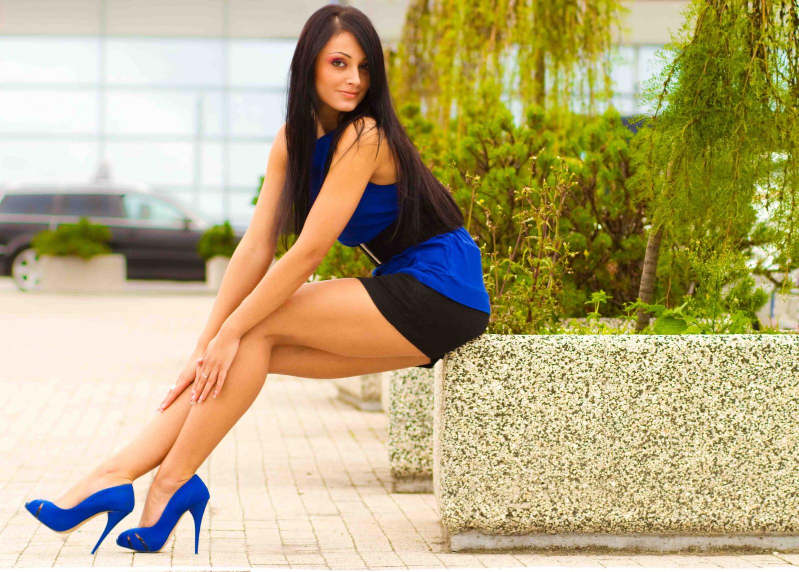Wallpaper : model, city, long hair, legs, sitting, heels