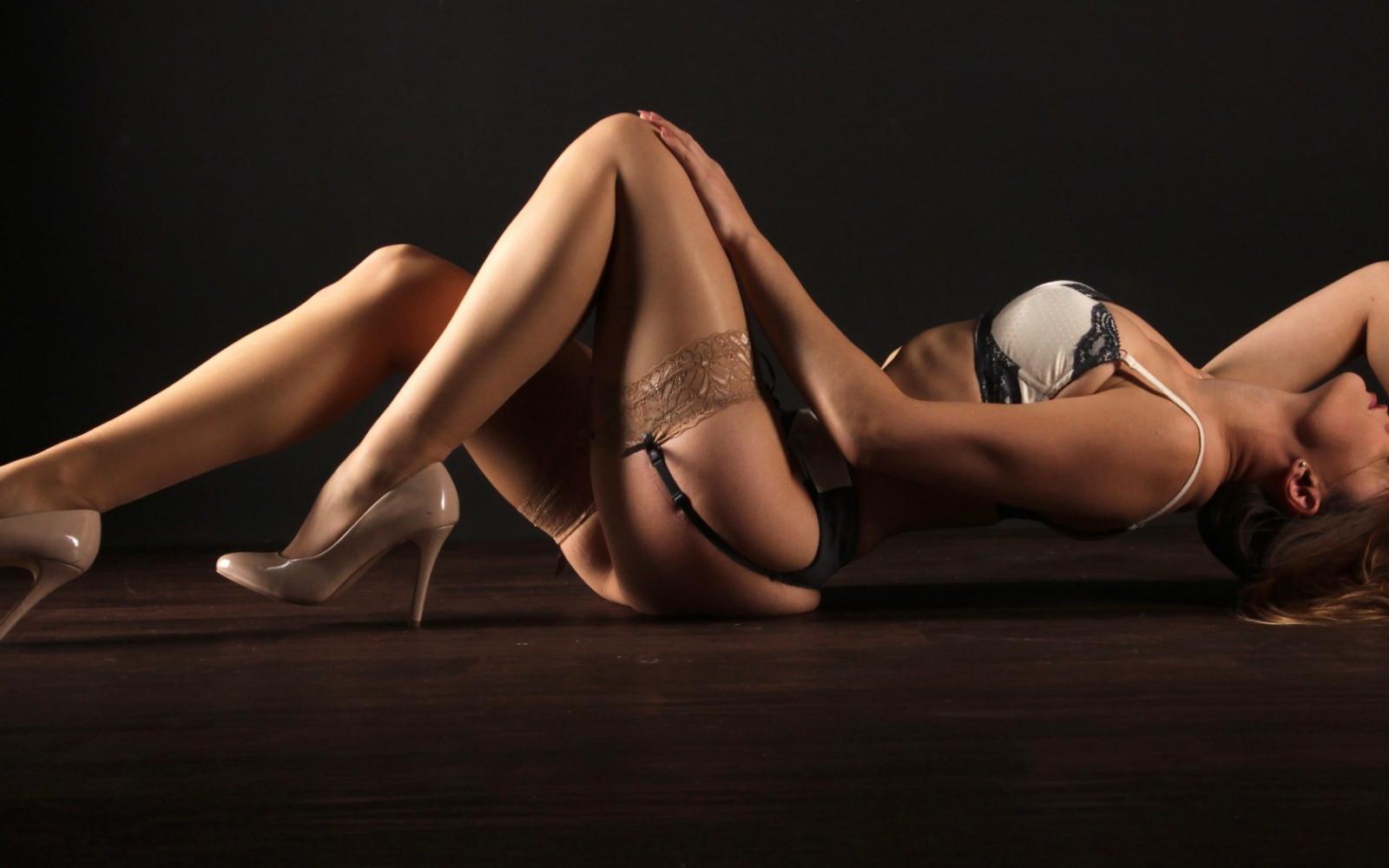 Танец в эротическом белье — photo 13