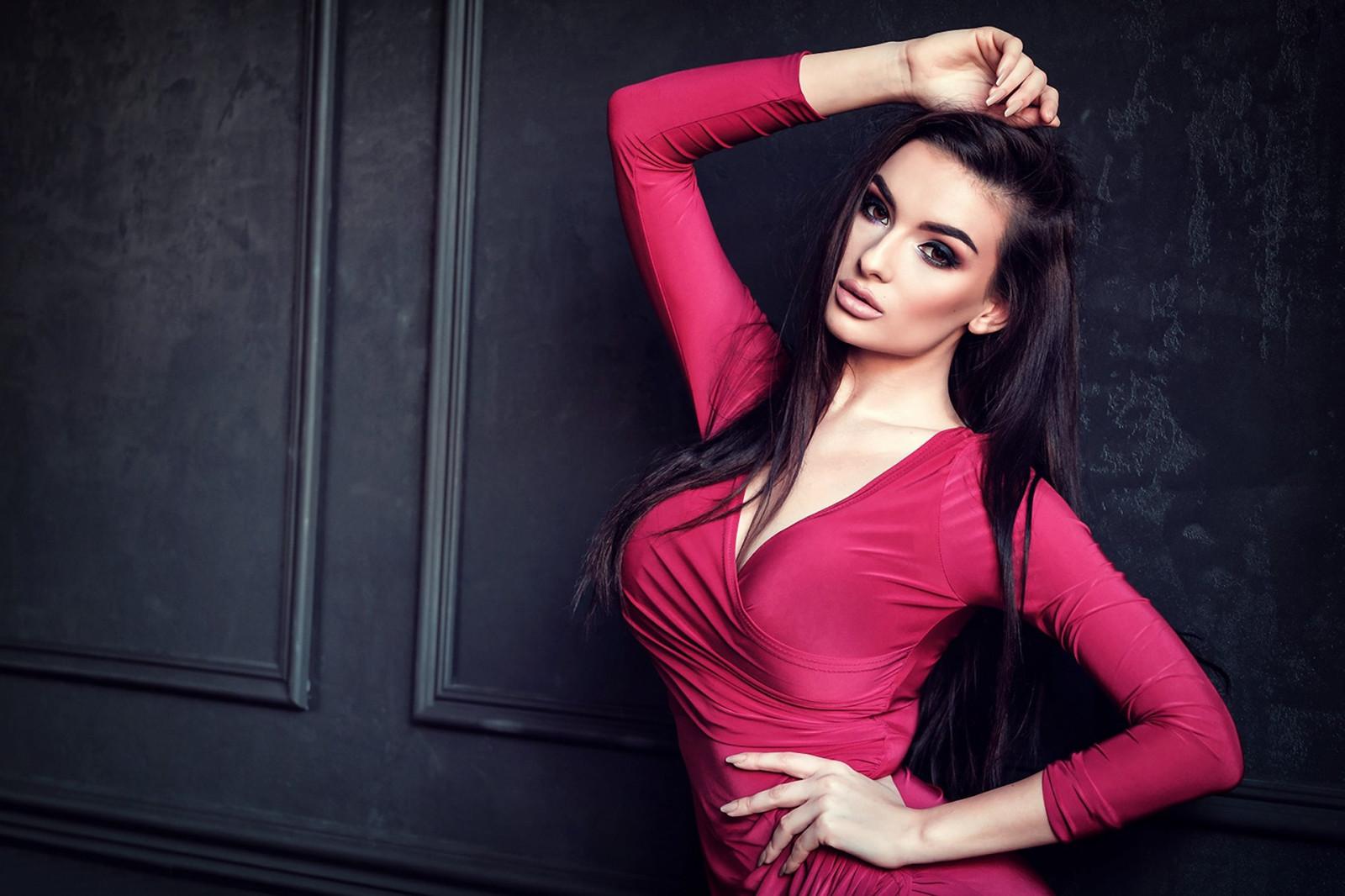 fond d u0026 39  u00e9cran   femmes  maquette  cheveux longs  rouge  mur  la photographie  chanteur  robe