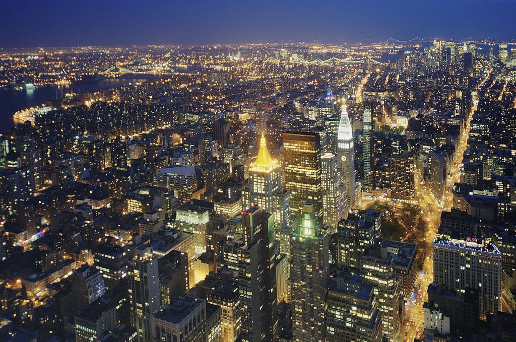 Fond d 39 cran paysage urbain nuit urbain b timent ciel horizon gratte ciel soir la tour - Image new york a imprimer ...