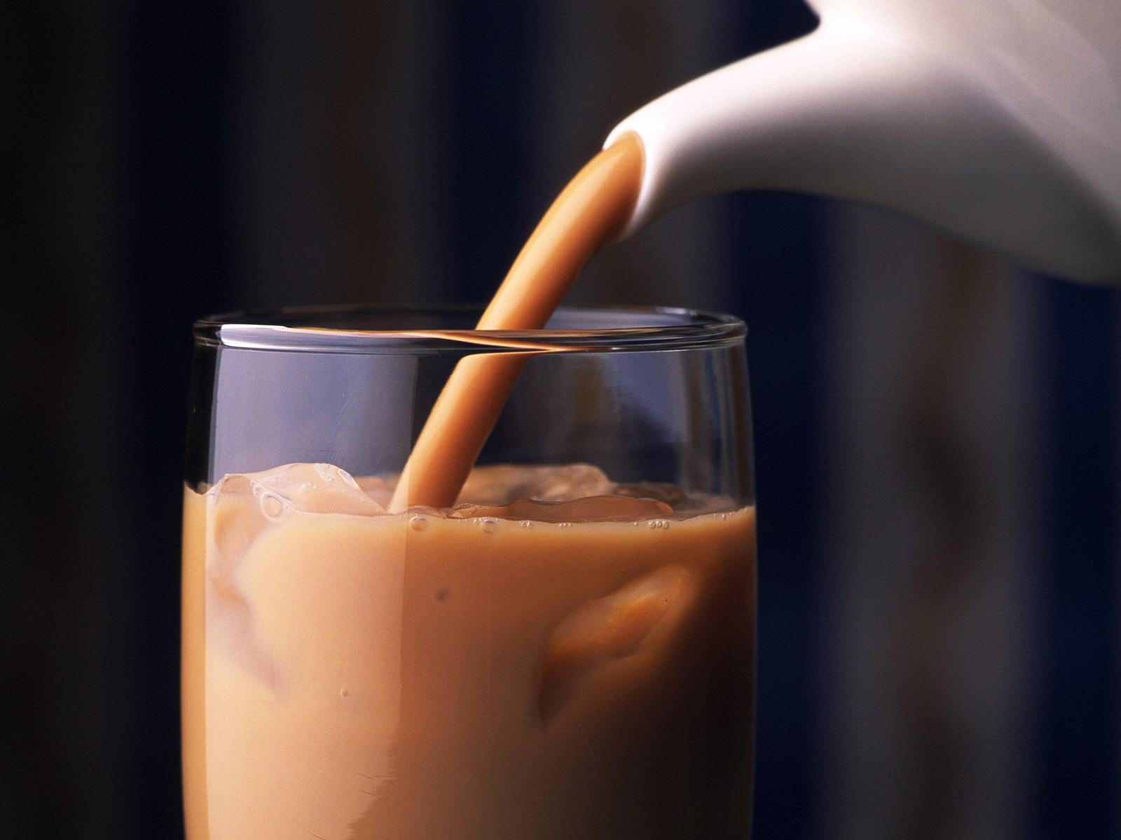 существует картинки пить кофе с молоком передвигается сам