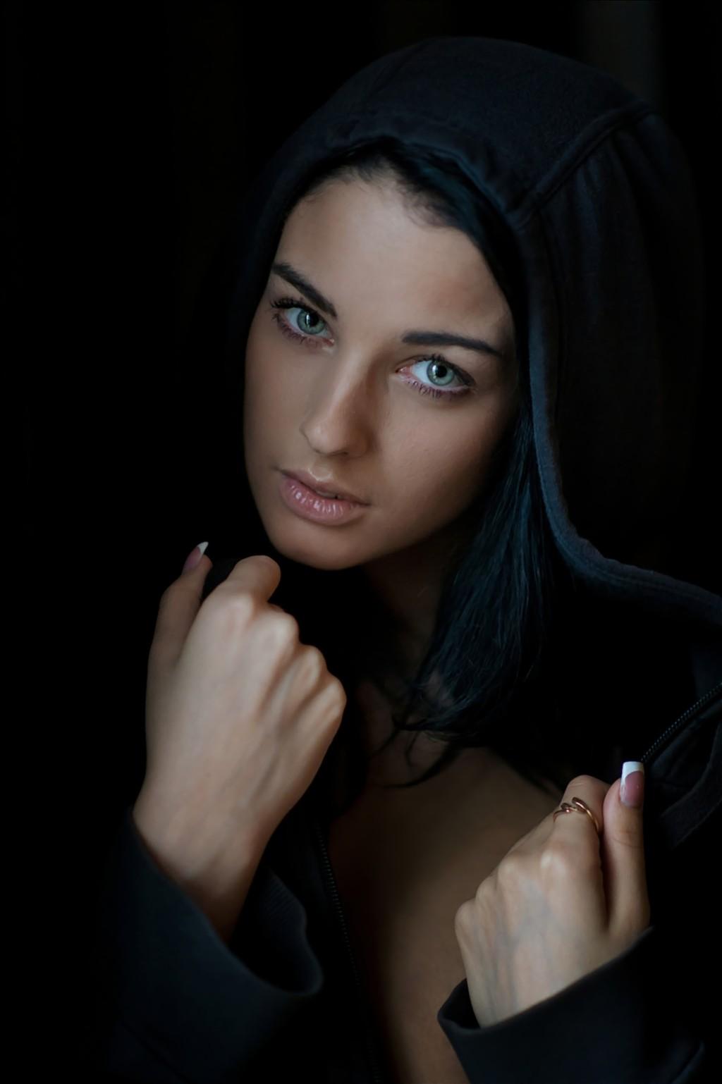 Sfondi : viso, nero, donne, capelli lunghi, blu, capelli ...