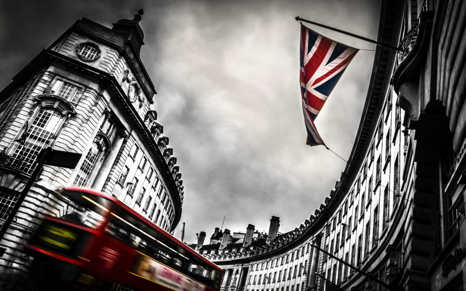 London Black Monochrome Street Cityscape Red Photography Selective Coloring Skyscraper UK Metropolis ART Color Shape Urban