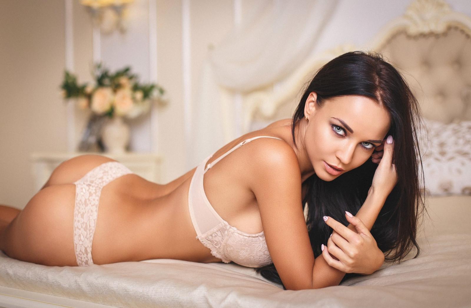 Русская красотка ангелина, Русское порно с Анжелика - смотреть онлайн бесплатно 2 фотография