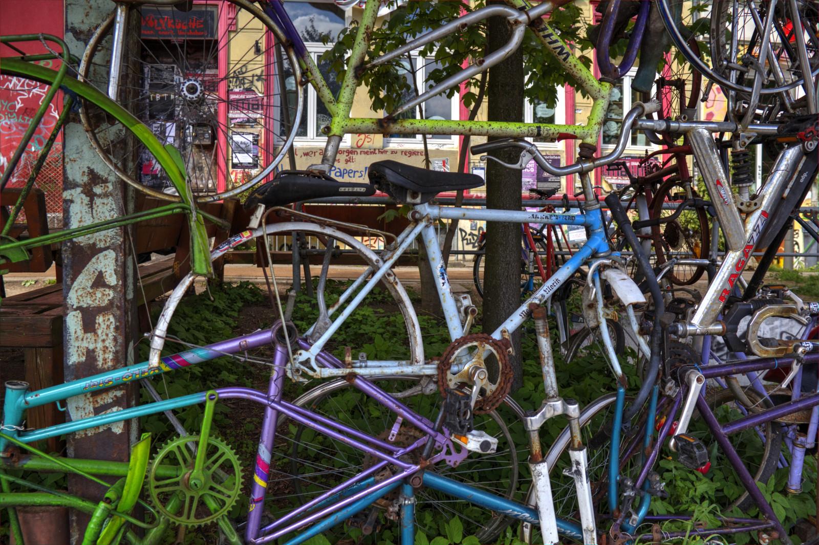 Hintergrundbilder : Fahrrad, Gras, Fahrzeug, Zaun, Hamburg ...