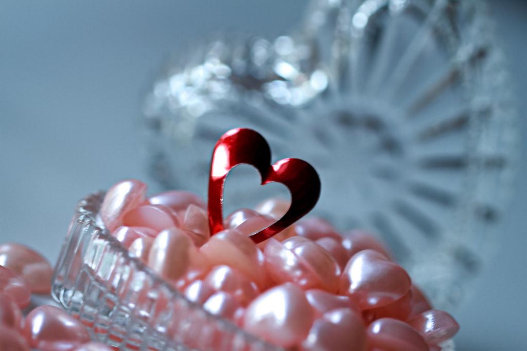 Srilanka Southasia Macromondays Heart Hearts Crystal Macro Macrophotography Red Redheart Openheart Stilllife Crystaljewellerybox Gift