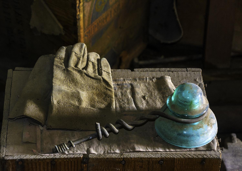 Hintergrundbilder : alt, verlassen, Handschuhe, Draht, Geschäft ...