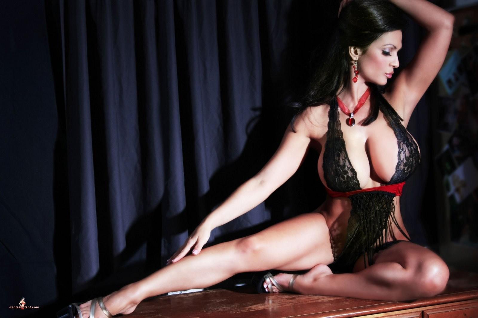 Naked dancing high heels big boobs