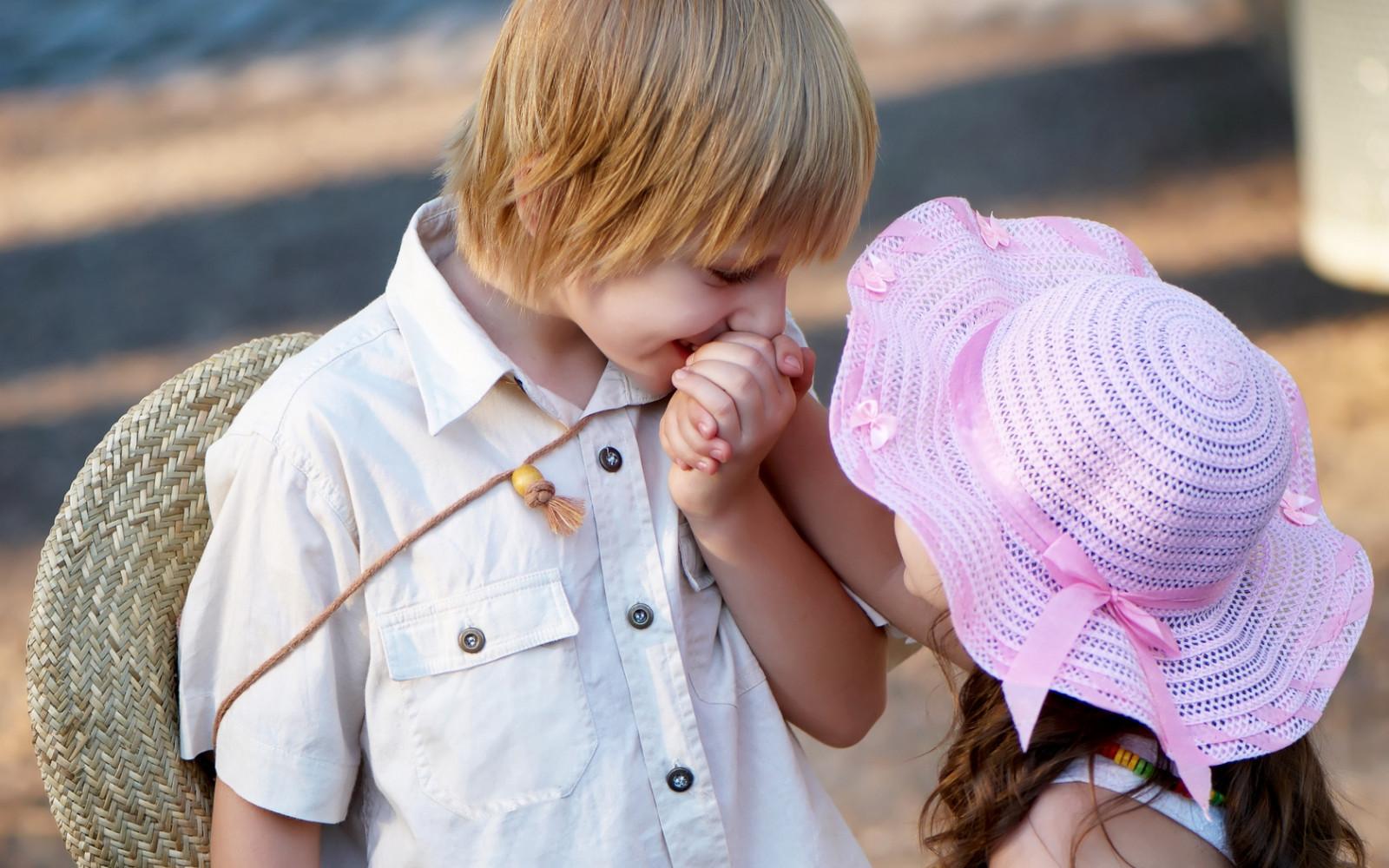 Удачной работы, красивые картинки с маленькими девочками и мальчиками