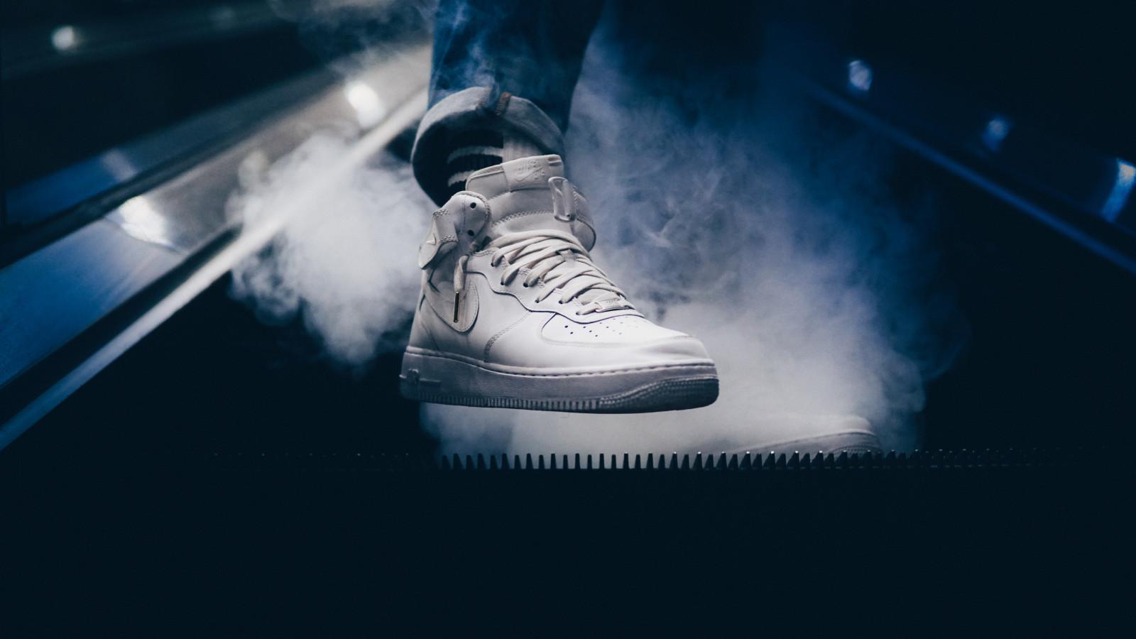 Fond D écran Sneaker Pied Fumée 6000x3376
