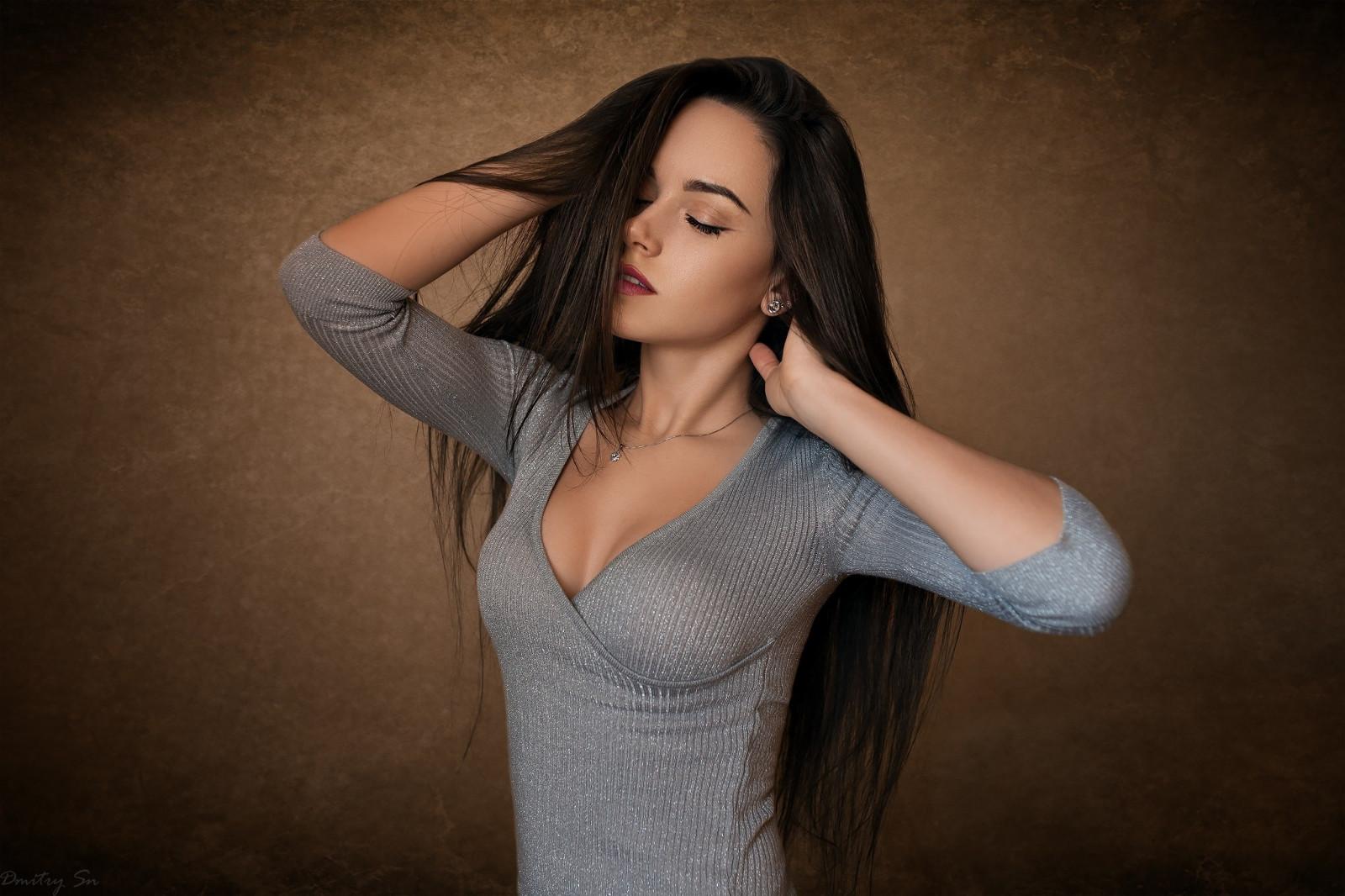 Wallpaper : face, women, simple background, long hair ...