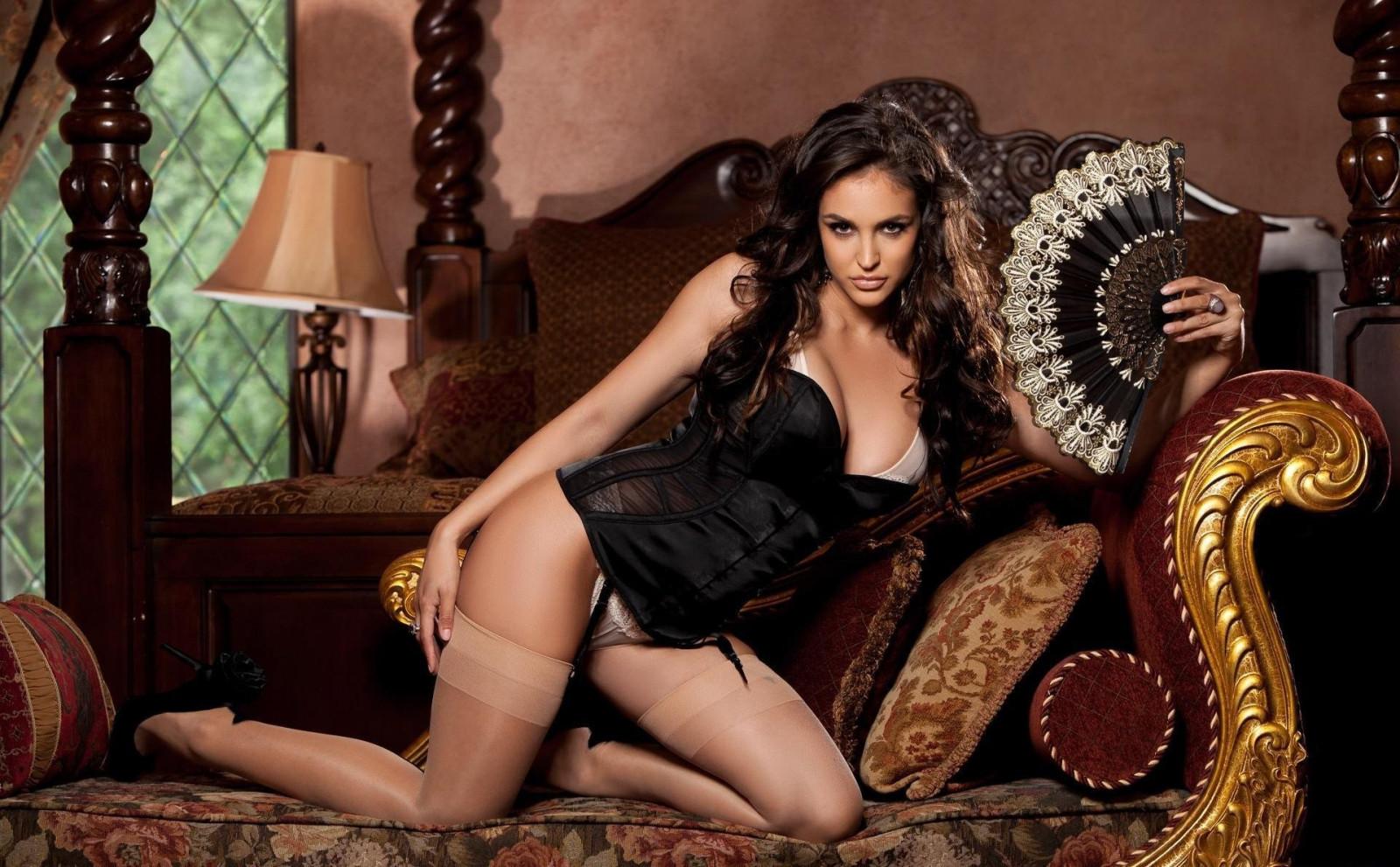 зрелая дамочка красивое испанское эротическое видео что