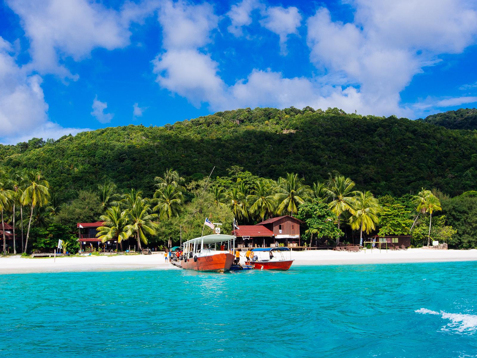 Ocean Blue Sea Sun Beach Boats Island Paradise Turquoise Tropical Noon Tropicalparadise Pulauredang