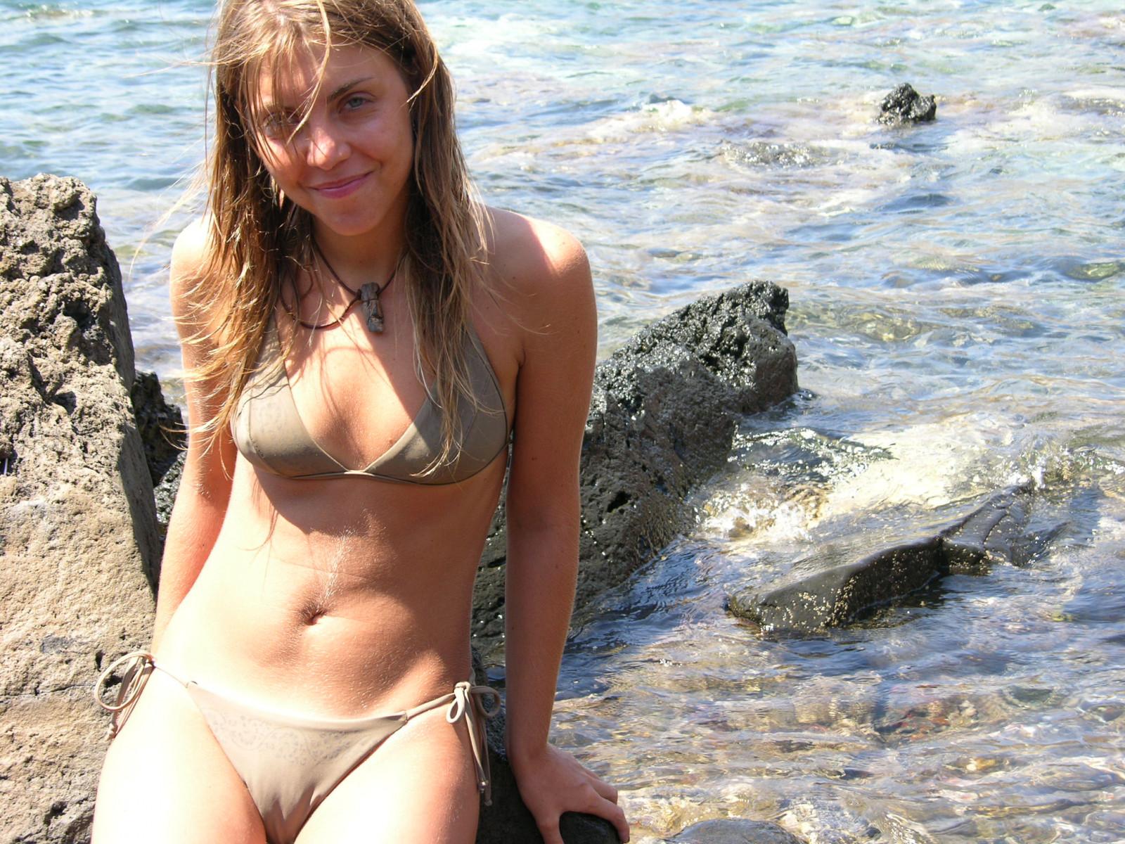 bikini camel toe