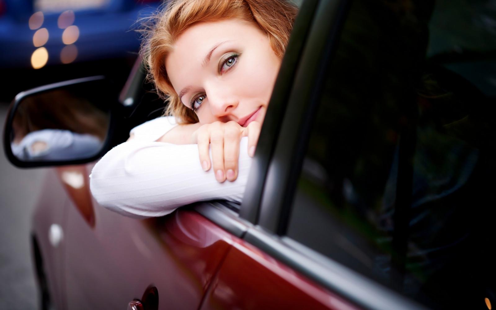 Секс в машине с блондинкой в россии актрисы азиаток