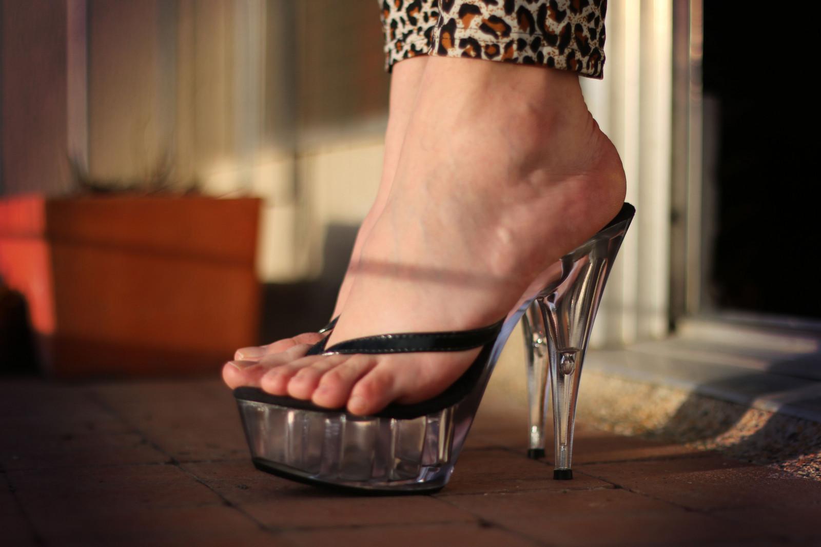 Фетишисты женских ног 10
