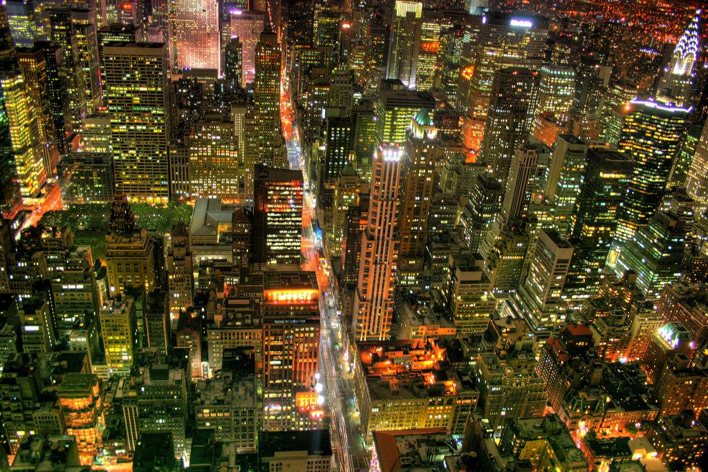 デスクトップ壁紙 旅行 窓 アメリカ合衆国 ニューヨーク スカイライン 建物 事務所 都市景観 ナイトライト 夜景 超高層ビル ブレードランナー Officebuildings ハンドヘルド 大都市 背の高い クライスラービルディング ロッキーフェラー Hdr