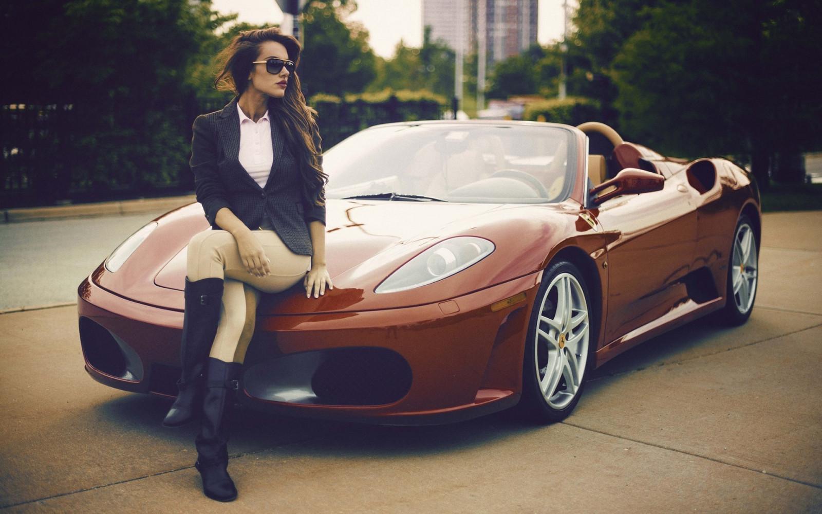 дорогие машины и красотки самый высокий мире