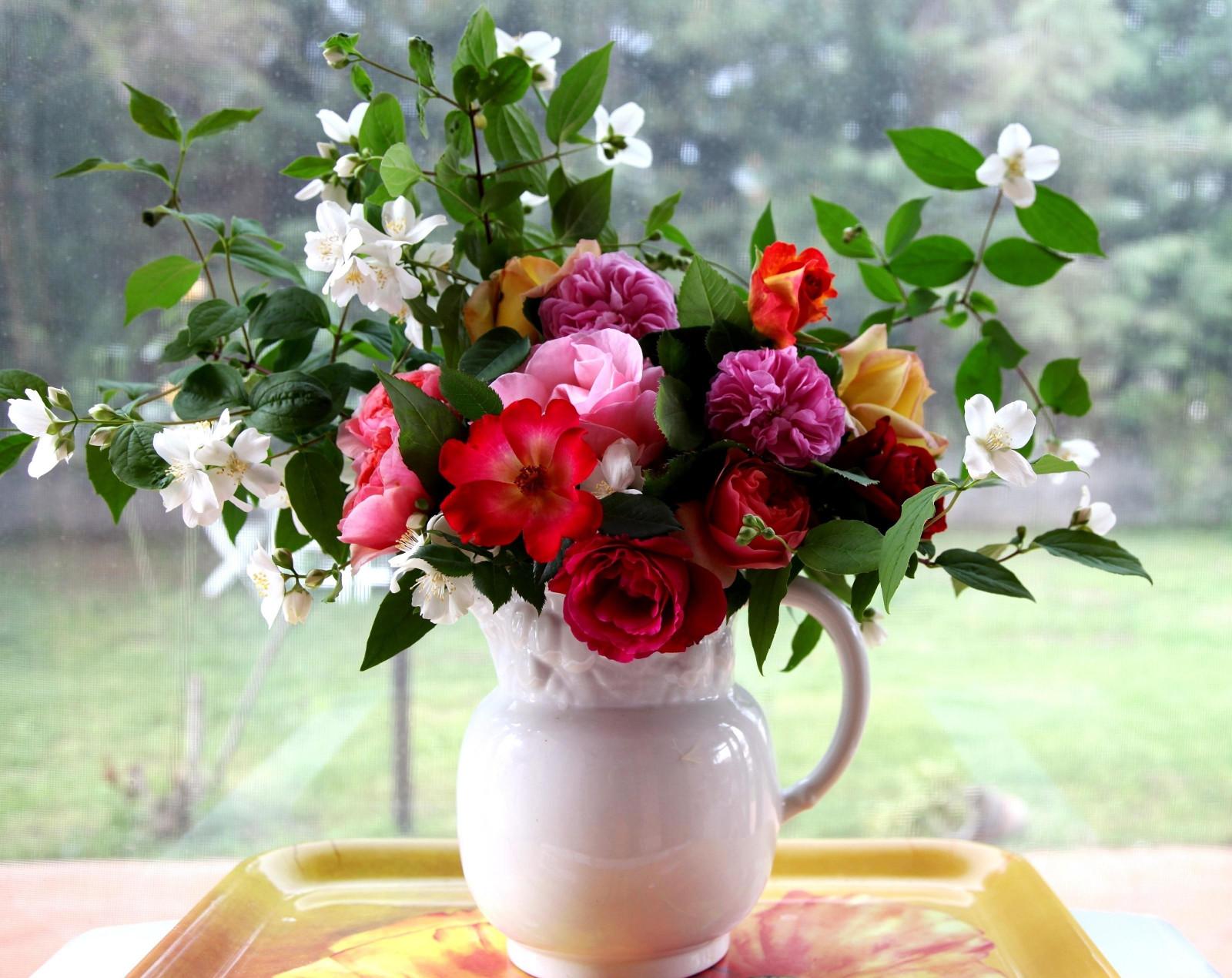 rose_jasmine_bouquet_pitcher_tray_box_branches-1082955.jpg!d