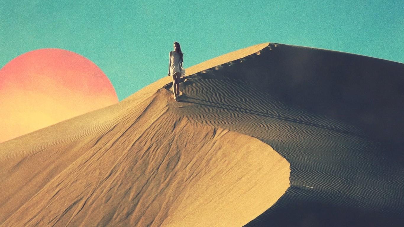 Куб в пустыне картинки