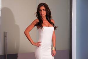 da8f0100e1ae Kvinder model langt hår store bryster kjole mode bryllupskjole Photodromm  tøj prom Alexa Varga ben hals