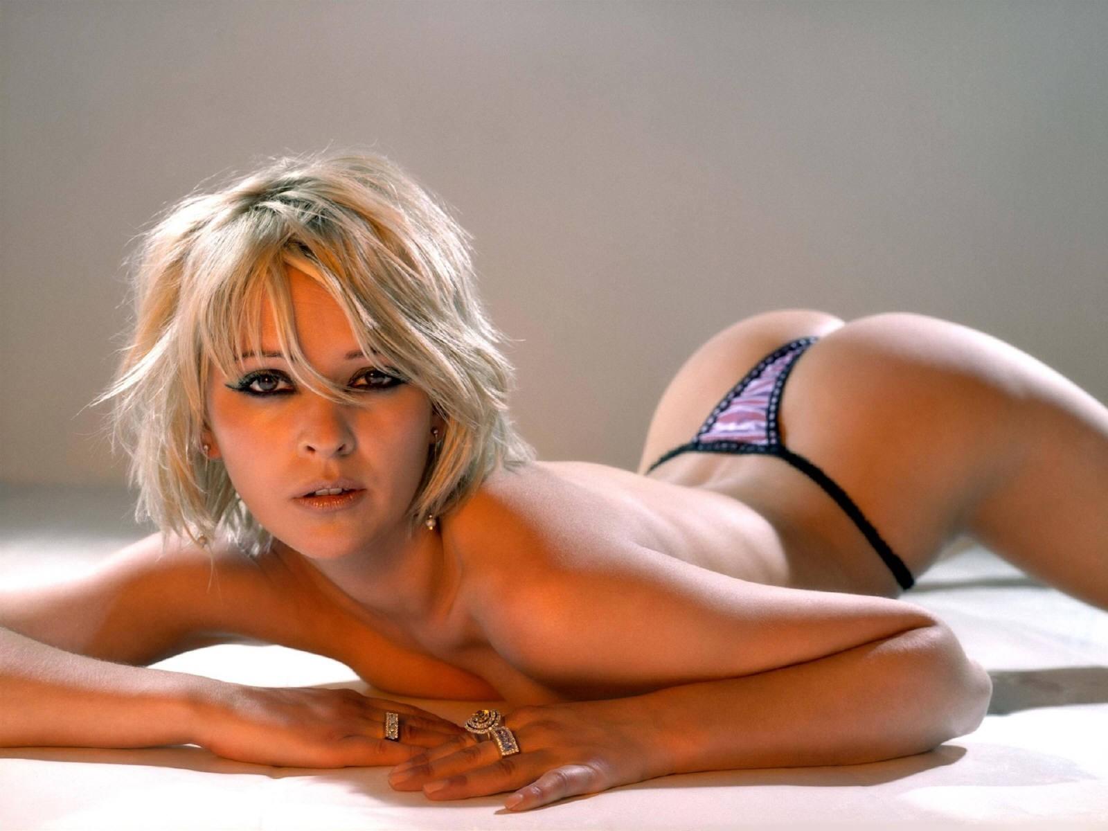 foto-seksi-dev-super-zalil-grudastuyu-blondinku