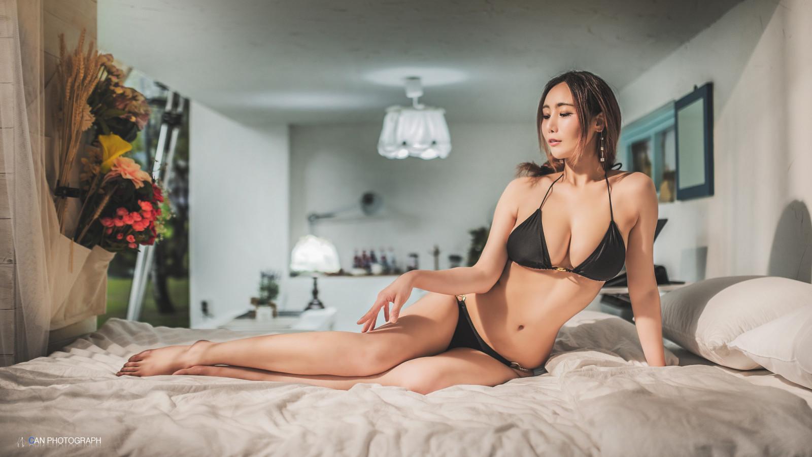 erotika-oboi-zhenshini