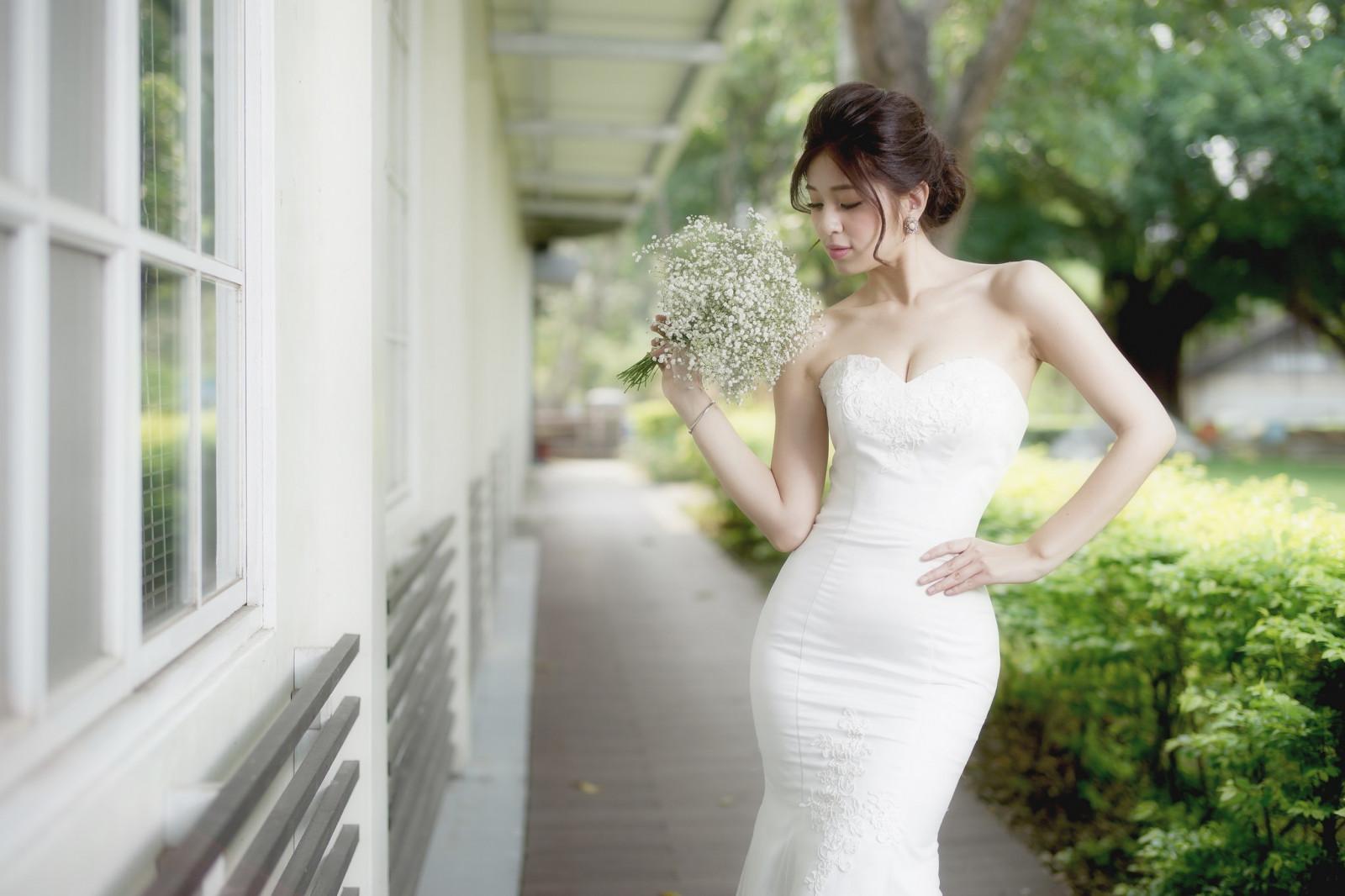 デスクトップ壁紙 女性 モデル フラワーズ アジア人 白いドレス