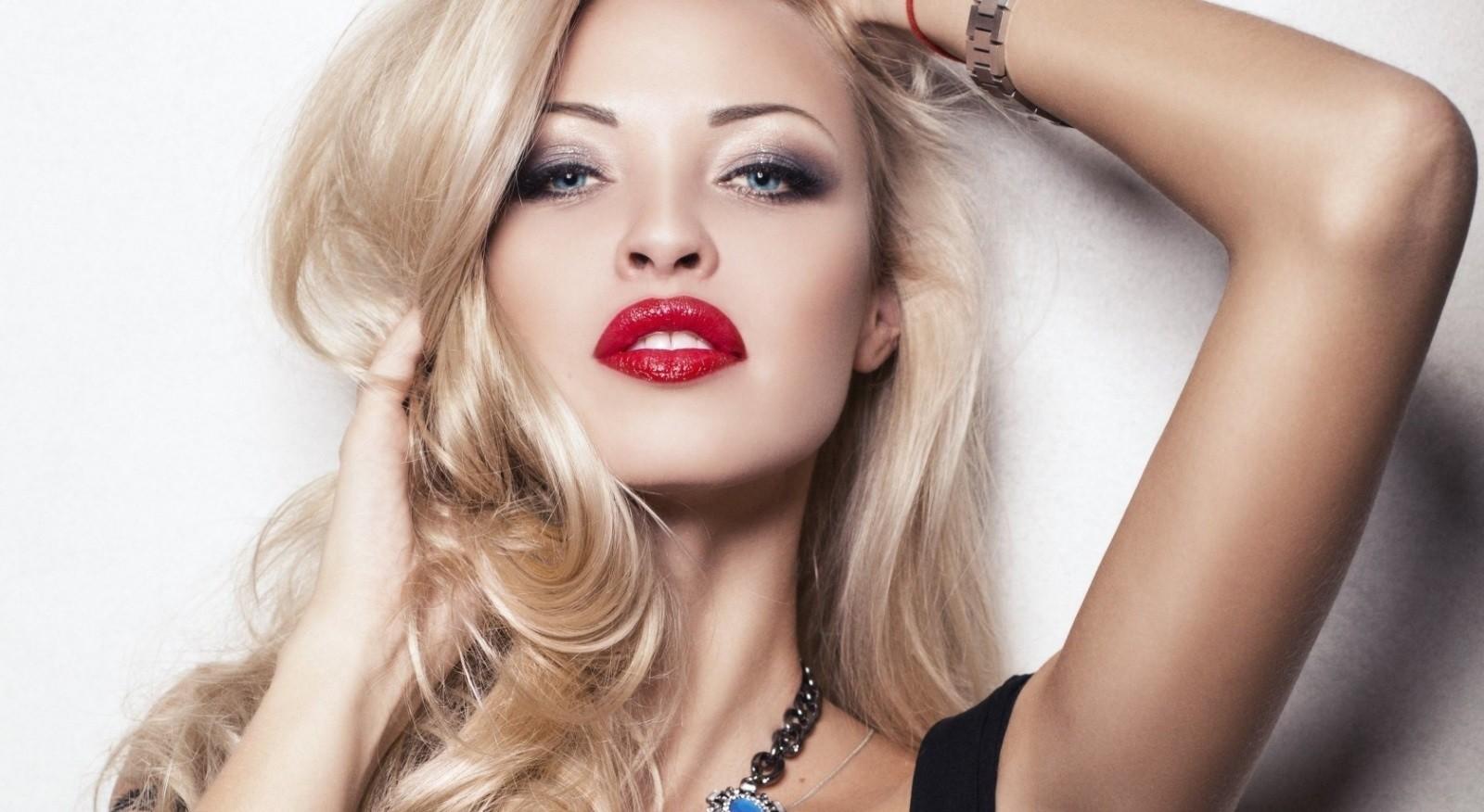 Смотреть видео макияжа для блондинок онлайн 76
