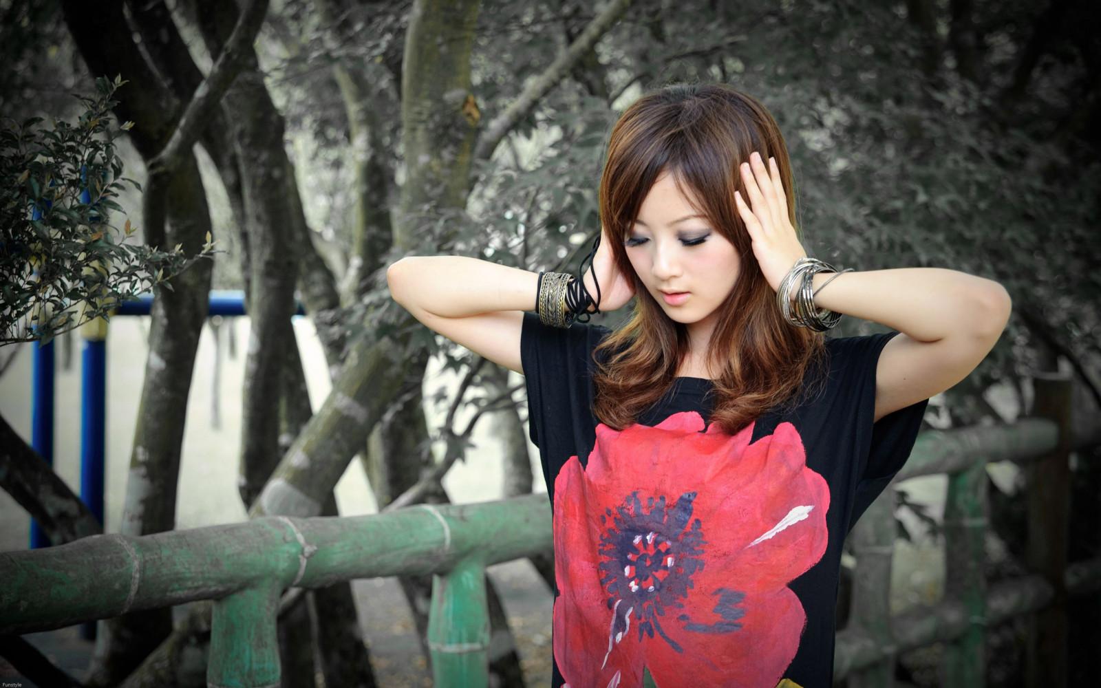 popke-aziatki-i-yaponki-doma