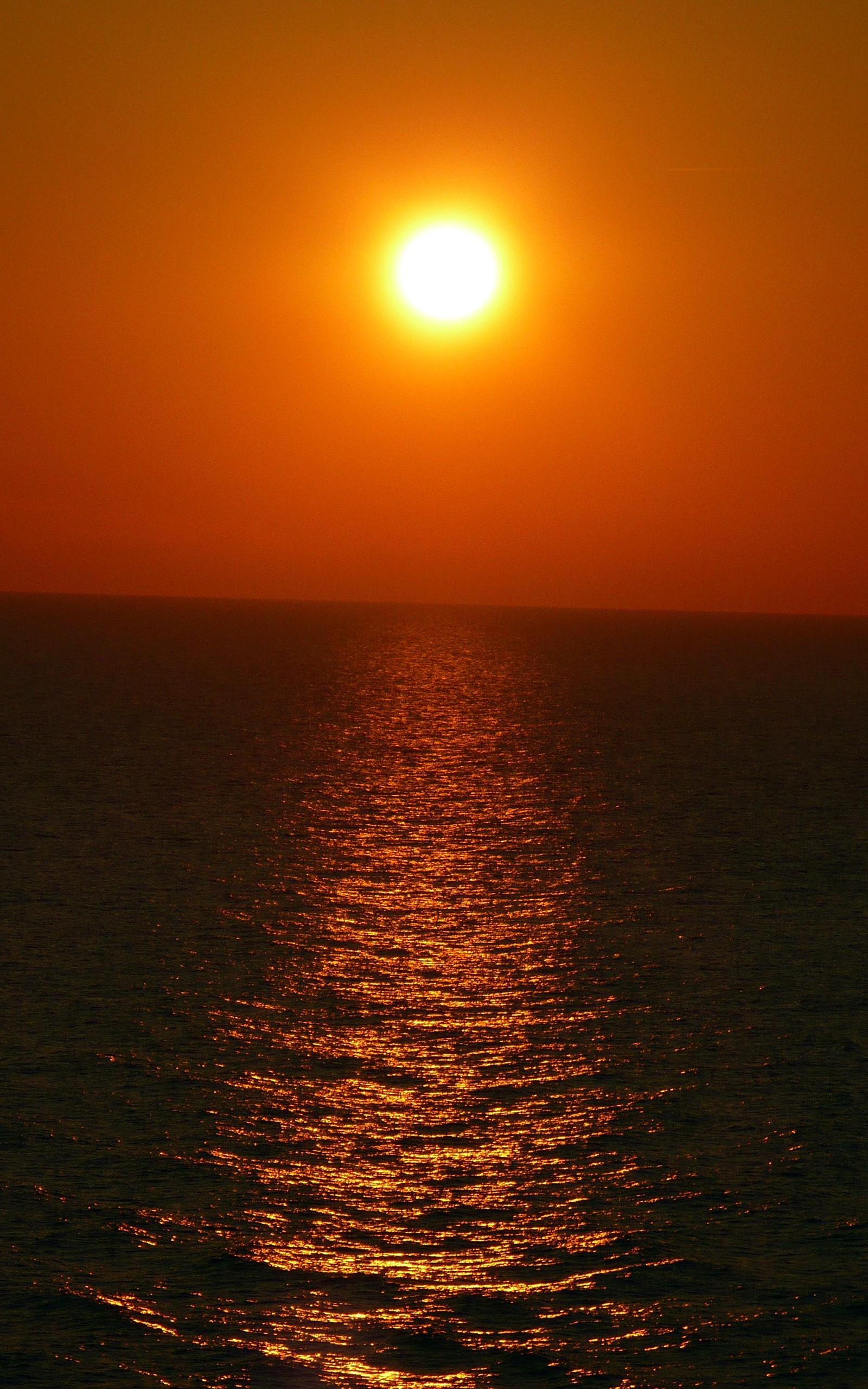 Wallpaper sunlight sunset sea water shore portrait for 1600x2560 wallpaper hd