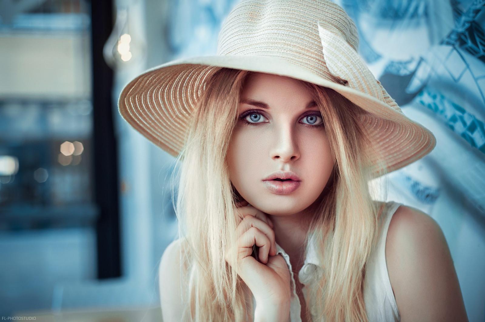 Фото русых девушек в шляпах